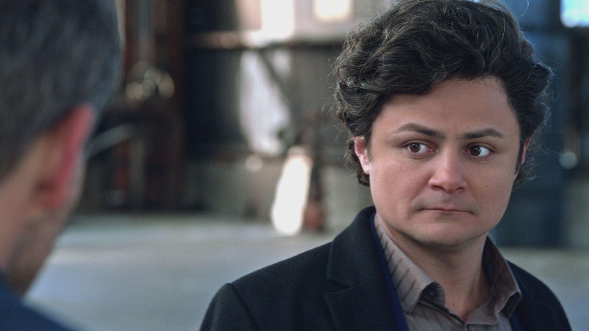 Highlight - The Translator - Alternatino with Arturo Castro (Video
