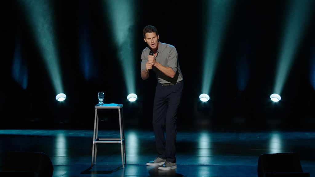 Daniel Tosh, performing at Mirage, jumps from Comedy Central to Vegas  headliner
